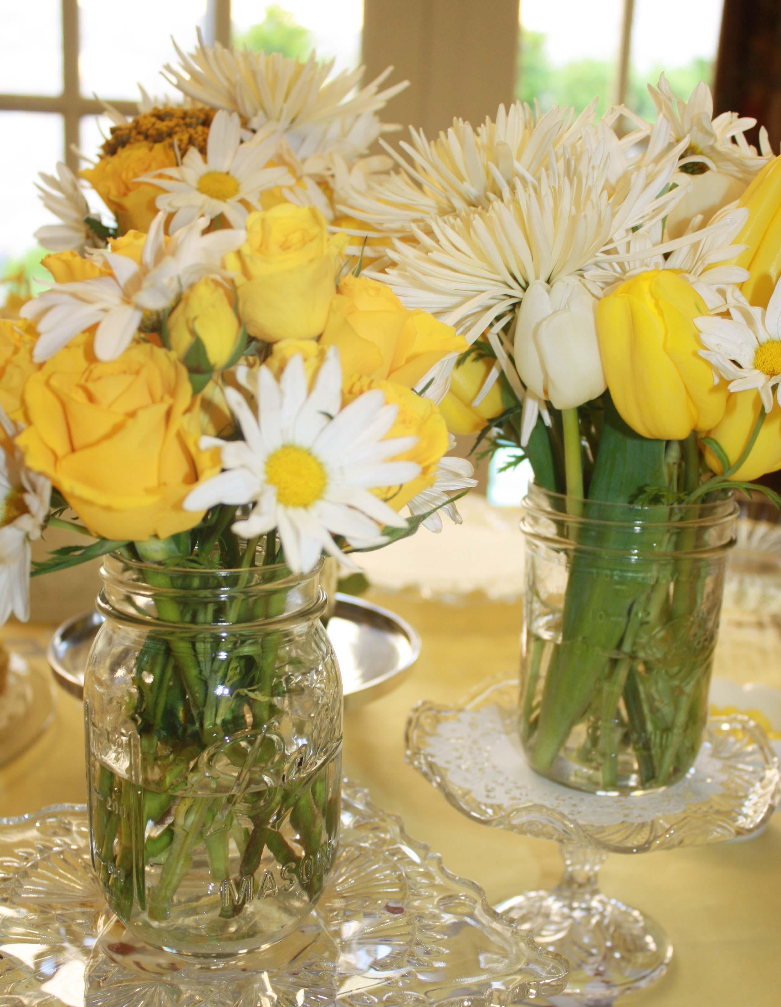 37 cute mason jar baby shower ideas table decorating ideas for How to arrange flowers in mason jar