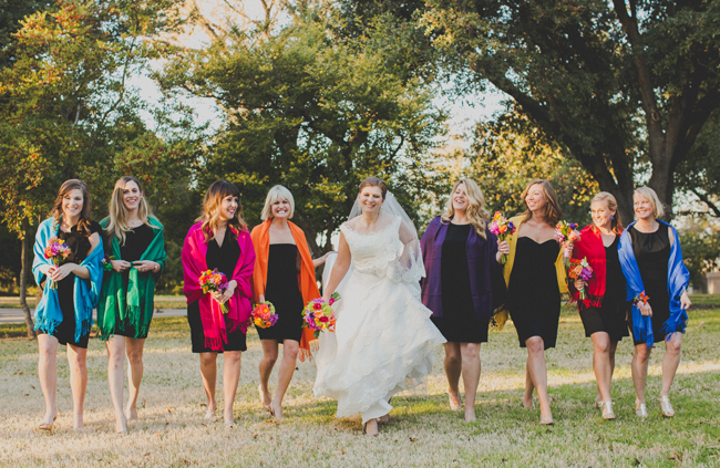 colorful-bridesmaids-and-bouquets