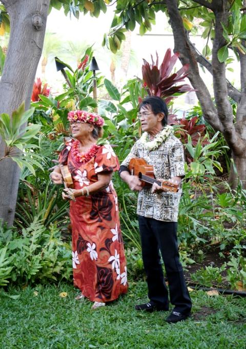 Where-to-Eat-Hawaii_Old-Lahaina-Luau